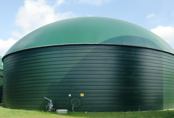 lipp post digester with double membrane roof