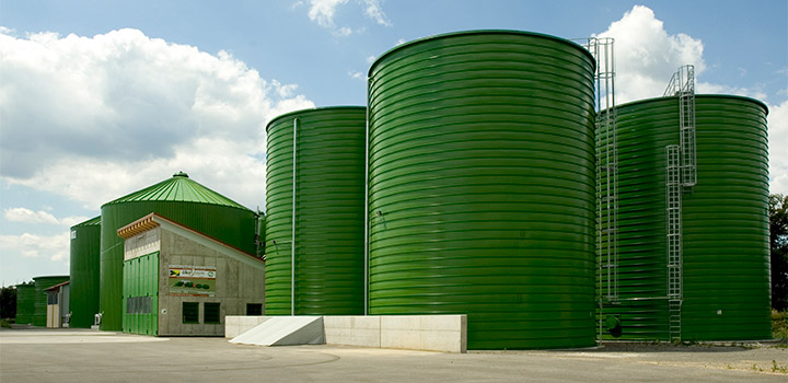 Sugar beet silo with stainless steel diaphragm cover
