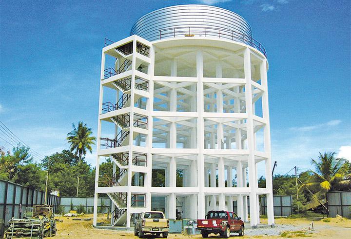 LIPP silo tank mounted on a platform
